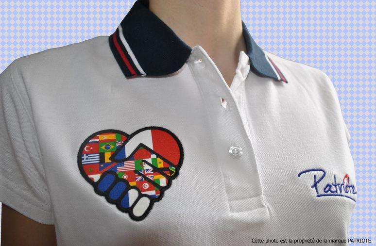 polo-femme-blanc-coeur-vue-d-ensemble-3-francais.jpg