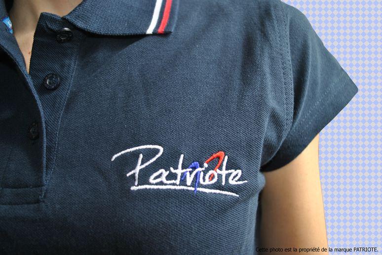 polo-femme-bleu-coeur-logo-patriote-allegee.jpg