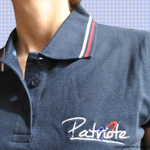 polo-femme-bleu-simple-logo-patriote-2-francais.jpg