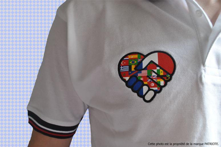 polo-homme-blanc-coeur-torse-droit-francais.jpg